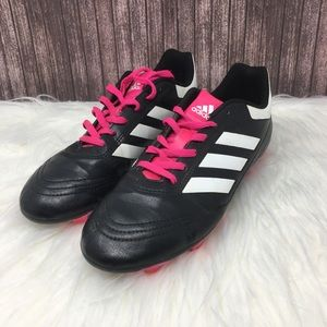 🍀💕Adidas Cleat pink soccer sneaker🍀💕
